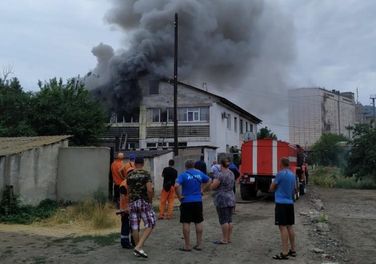 В Геническом районе мультиварка подожгла квартиру: все сгорело дотла
