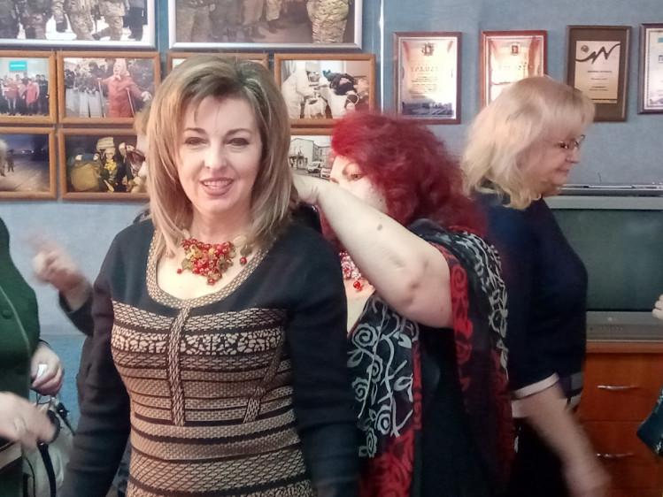 Запорізька журналістка презентувала колекцію авторських прикрас